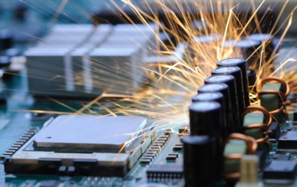 SHORT CIRCUITS ON THE MOTHERBOARD
